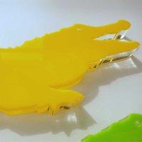 "Krokodil   Tierfigur   ""Sandwich"" aus klarem und buntem Acrylglas   ca. 560 mm lang"