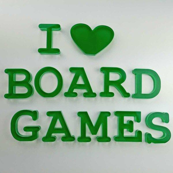 """I love BOARDGAMES   Schriftzug   """"Sandwich"""" aus klarem und grünem Acrylglas   75 mm hoch"""