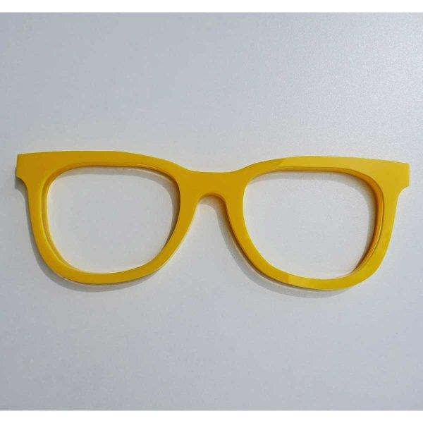 c) 3 mm gelbes - 10 mm klares - 3 mm gelbes Acrylglas